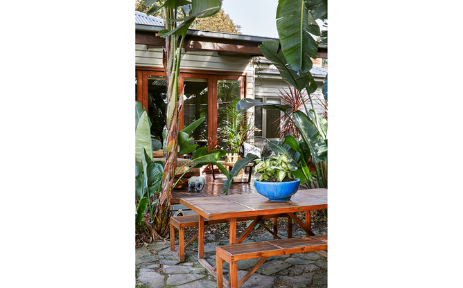 Clover Cottage outdoor table