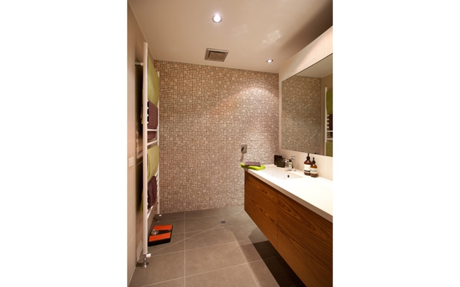 North Melbourne bathroom overview